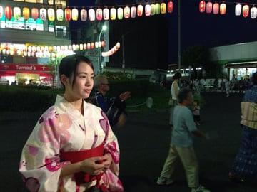 十条駅前の盆踊りが舞台