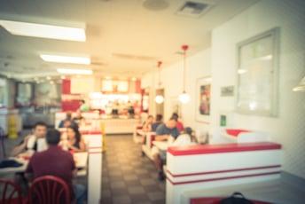 大手外食チェーン店の膨大なマニュアルは現場では伝わらない
